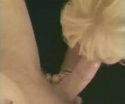 Blondine bläst bis zum Schluss