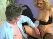 Reifer Schwanz in einer jungen blonden Fotze