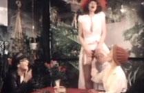 Geiler Klassik Porno mit bisexuellen Frauen