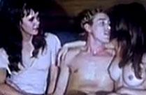 Mann mit zwei Frauen