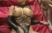 Gina Wild schluckt eine Menge Sperma