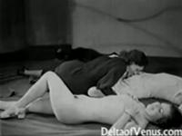 Vintage Porno in der FKK Bar