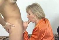 Deutsches Luder wird im Vintage Porno gebumst