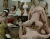 Alte notgeile Kerle ficken junge Teens im kostenlosen Vintage Porno