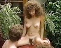 Geiler dreier Sex im Garten threesome Porno