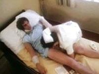 Soldat fickt Krankenschwester im Kultporno
