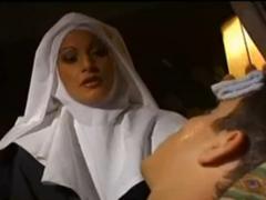 Entjungferung einer echten Nonne