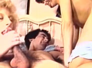 Schwanz Massage von zwei geilen Fotzen